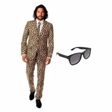 Grote maten verkleed bruin met luipaard print heren kostuum maat 56 3xl met gratis zonnebril